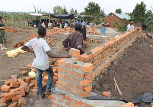 Construction of the Kyempapu Resource Center.