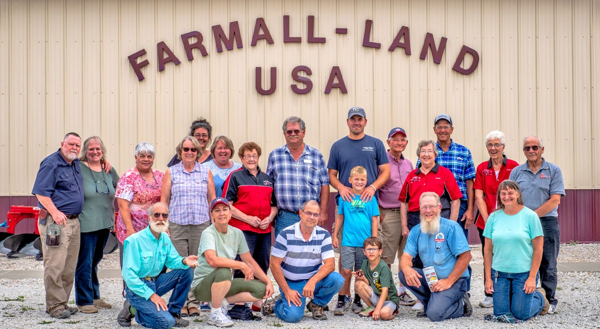 "DOING THINGS DIFFERENTLY: Iowa's organic farmers focus of KFU ""Thinking Outside the Box"" farm tour"